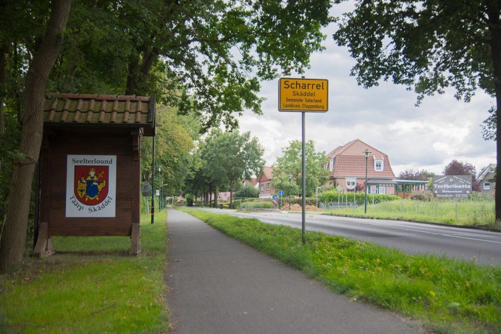 Ortseinfahrt Scharrel
